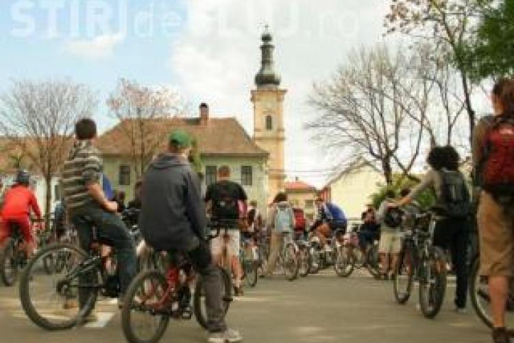 Biciclistii clujeni ies in strada in 26 aprilie