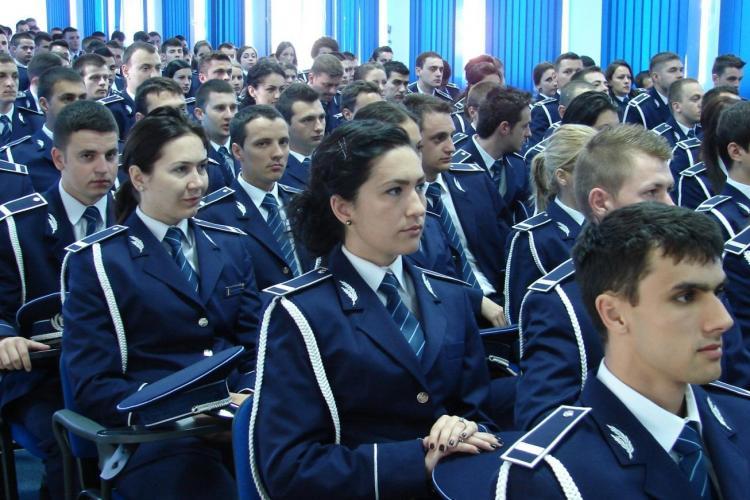 """Absolventii Scolii de Agenti de Politie """"Septimiu Muresan"""" se alatura comunitatii din 2 mai FOTO"""