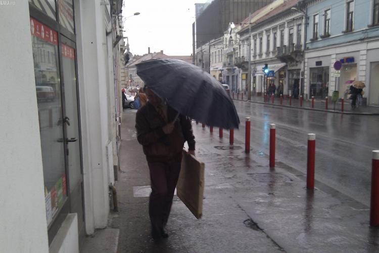 Ploile lovesc Clujul dupa ora 14.00! Meteorologii spun ca in weekend va fi cald
