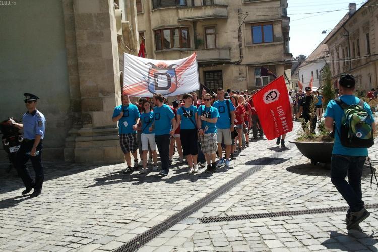 """Zilele Studentilor Maghiari 2012! Tinerii au """"ocupat"""" centrul Clujului FOTO"""