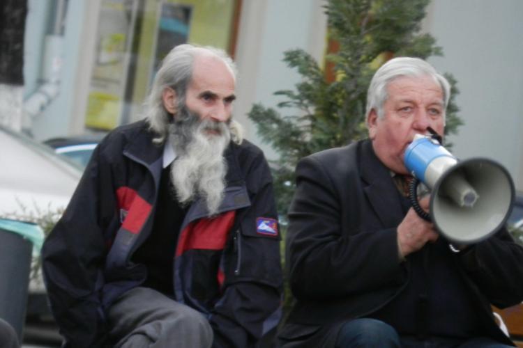 De 104 zile protesteaza in Piata Unirii din Cluj-Napoca! VIDEO