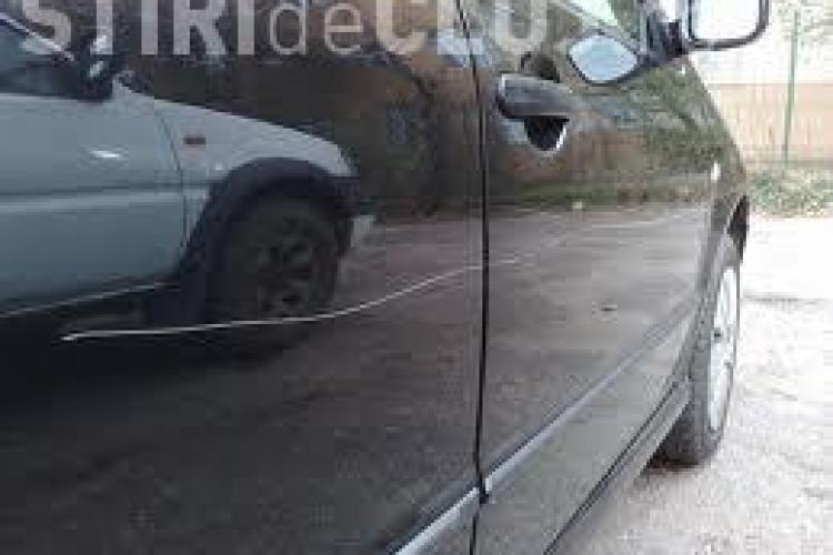 Soferii care si-au parcat masinile pe strazile Vidraru si Campului s-au trezit cu ele zgariate!