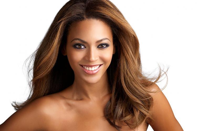 Beyonce a fost desemnata cea mai frumoasa femeie din lume in 2012