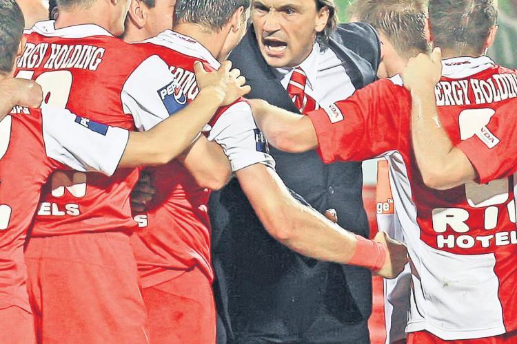 Acuzatii de BLAT in vestiarul Dinamo! Dario Bonetti si-a acuzat jucatorii ca au dat meciul