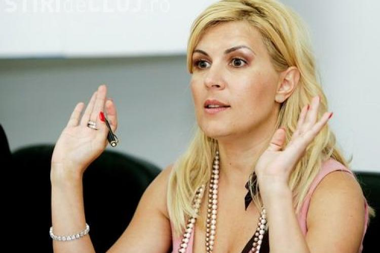 Elena Udrea si-a schimbat masina: E buna pentru ca are consum mai mic