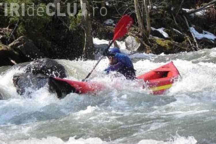 Doi angajati ai Tribunalului Cluj s-au inecat in raul Vaser in timp ce faceau rafting EXCLUSIV