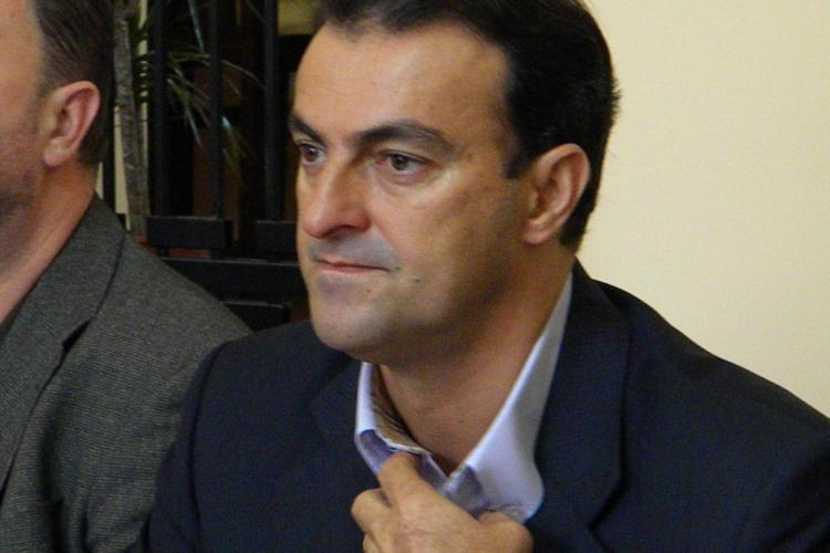 Sorin Apostu afla vineri, 4 mai, daca va fi eliberat din arest: Nu va avea voie sa ia legatura cu sotia