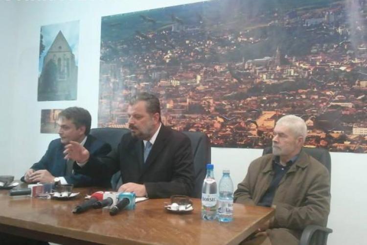 "Eckstein, candidatul UDMR la Primaria Cluj-Napoca, si-a deschis ""farmacia electorala"" FOTO"