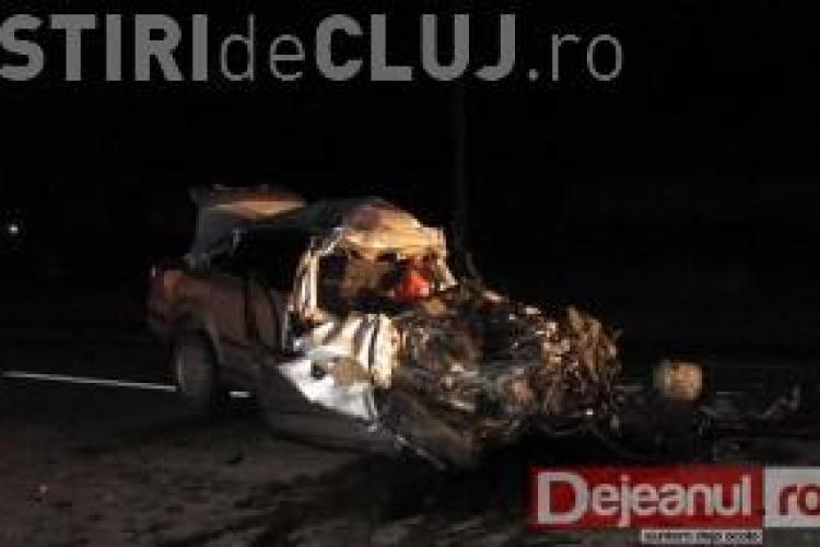 Accident la Jucu: O masina a izbit frontal un autocar. Corpul soferului a fost atat de zdrobit, incat nu a putut fi identificat VIDEO