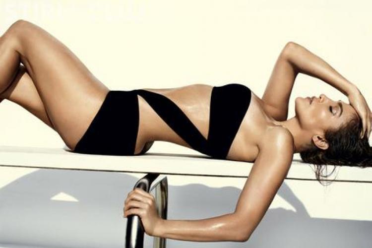 Jennifer Lopez este sexy si la 42 de ani! Vezi cum arata vedeta in costum de baie - FOTO