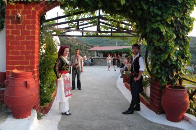 Creta- intre traditii, spectacol si miracol al naturii.  Ca turist, seara cretana iti va taia respiratia! FOTO / VIDEO