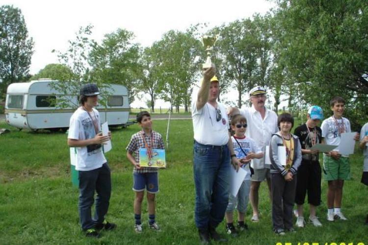 Elevii clujeni au obtinut medalii la Cupa Crisius de navomodelism