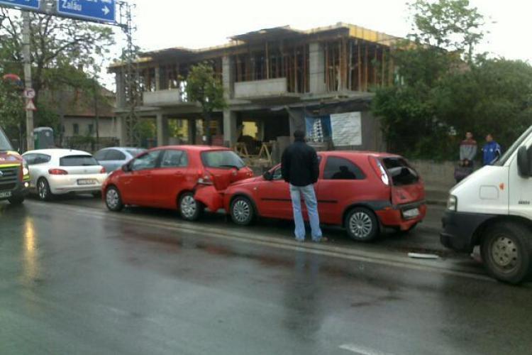 Accident in lant pe Traian Vuia. Patru masini implicate FOTO si VIDEO