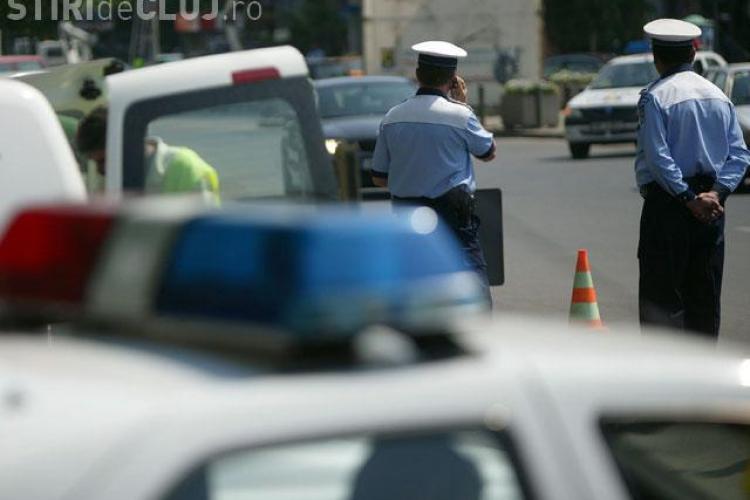 Un minor fara permis conducea un autoturism pe strada Oasului! Mergea sa spele masina