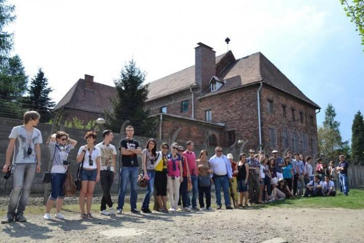 "Elevi clujeni in excursie la Auschwitz in cadrul proiectului: ""Noi refuzam sa uitam..."""