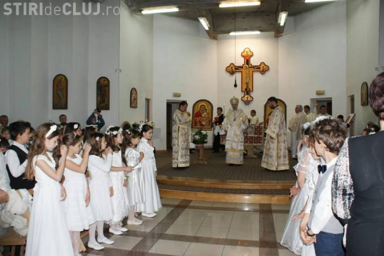 Prima impartasanie pentru 45 de copii greco-catolici din Cluj FOTO
