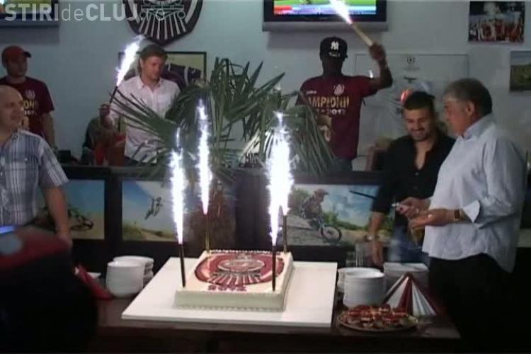 CFR Cluj a sarbatorit cu tort si sampanie titlul! VEZI imagini VIDEO