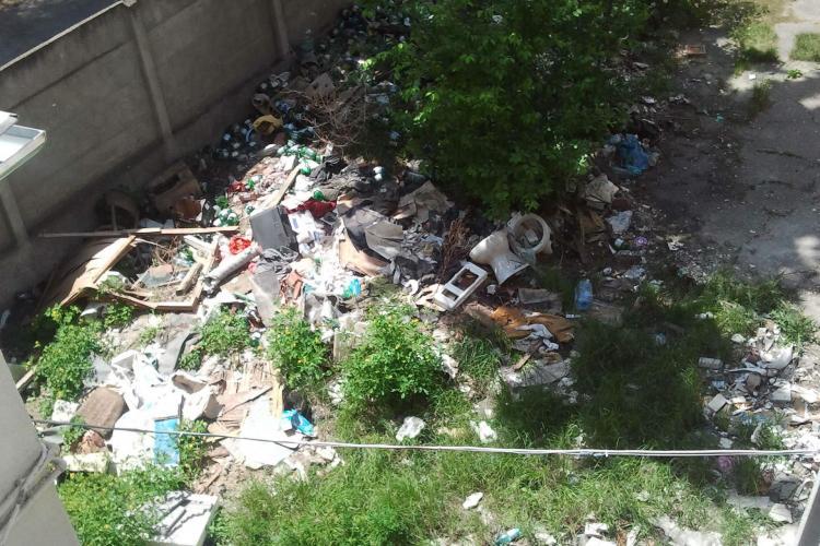 "Muzeul din Turda ""adaposteste"" o adevarata groapa de gunoi! FOTO"