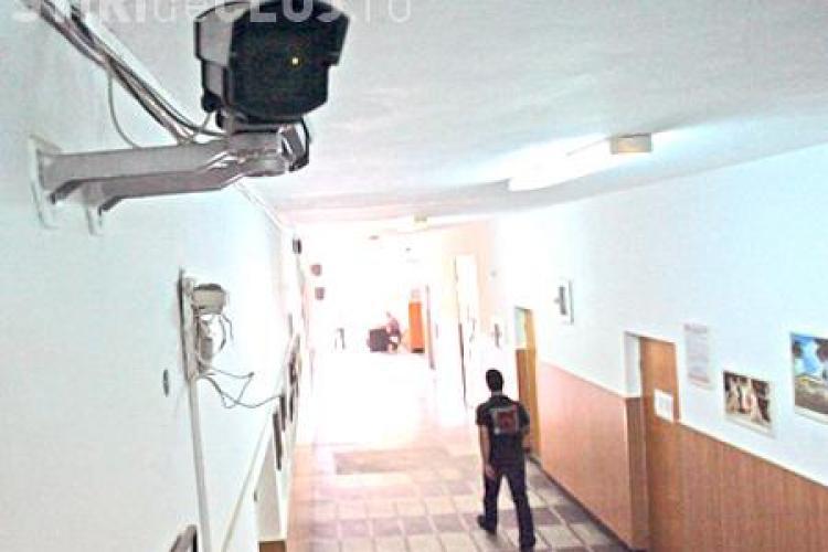 Ministerul Educatiei cumpara 3.107 camere video pentru bacalaureat si 4.520 pentru evaluarea nationala