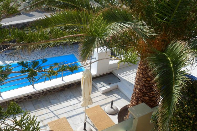 Va place sa fiti rasfatati cand mergeti in vacanta? In Creta si Santorini veti gasi mai mult decat sperati: lux, exotism, romantism! Vezi FOTO