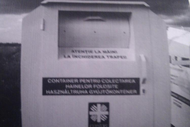 Clujenii pot dona haine in containere speciale, amplasate pe strazi VIDEO