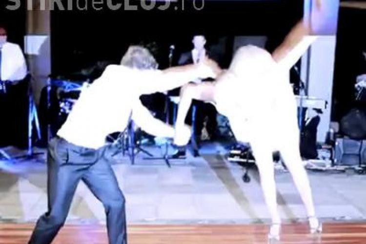 Vezi cel mai reusit dans al mirilor! Au uimit pe toata lumea cu miscarile lor - VIDEO