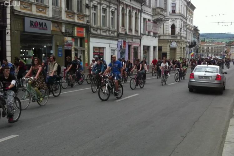 Biciclistii au luat cu asalt strazile Clujului VIDEO