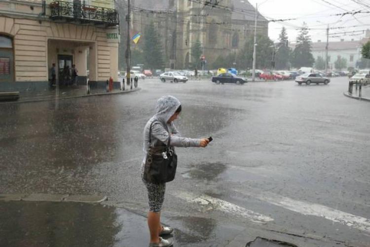 Furtuna cu grindina la Cluj! CODUL GALBEN e in vigoare pana miercuri VIDEO si FOTO