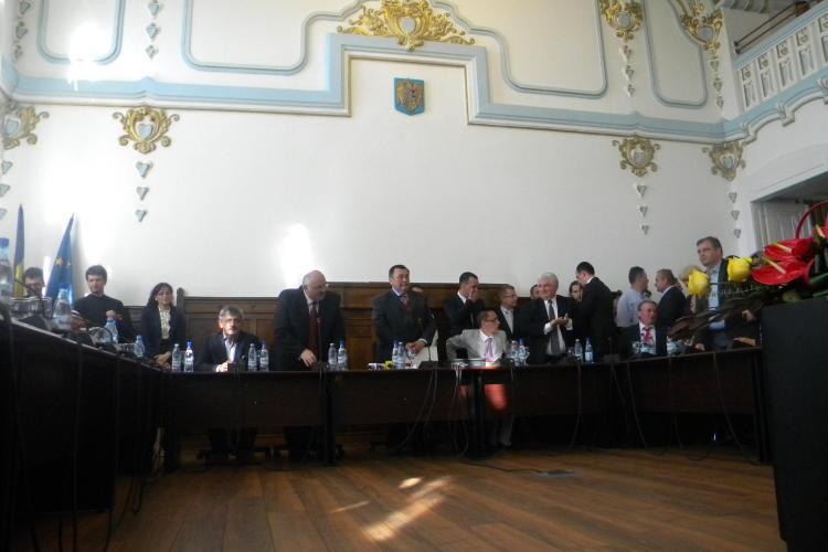 Prefectul si subprefectul, investiti in functii la Cluj-Napoca VIDEO