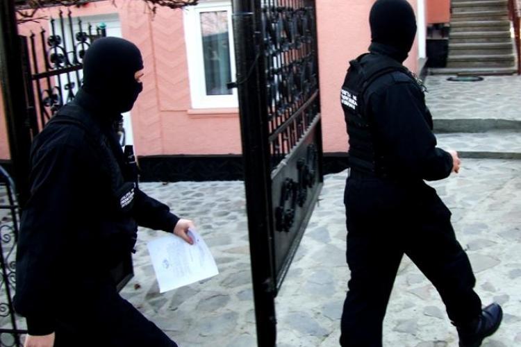 Dealer-ul clujean de etnobotanice, suspectat ca vindea droguri in scoli