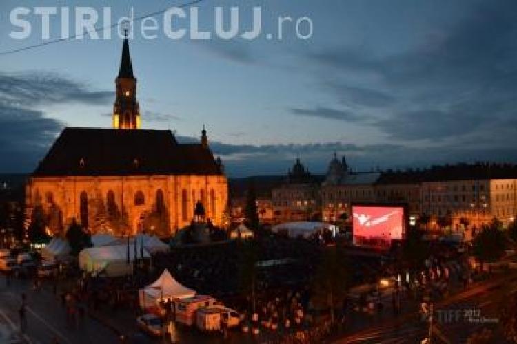 TIFF CLUJ - Peste 1500 de spectatori in Piata Unirii la deschiderea oficiala! Vezi ce personalitati au participat