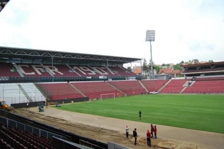 Gazonul de pe stadionul din Gruia este inlocuit FOTO