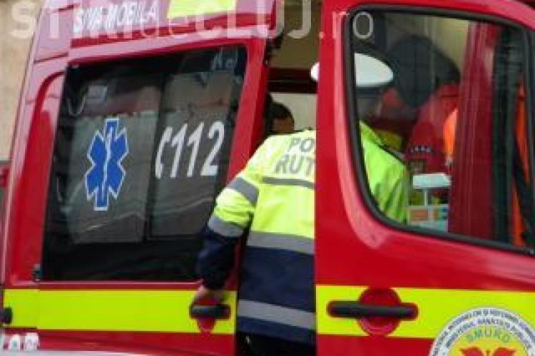 Accident rutier in satul Catcau. Doi soferi raniti si un pieton! VIDEO