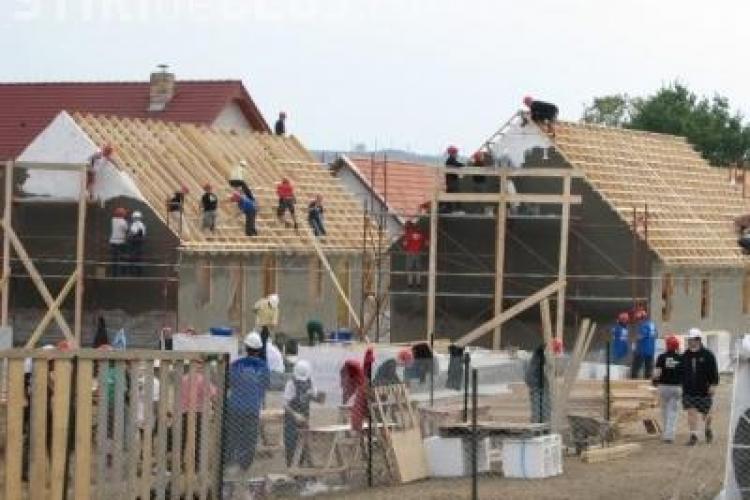 Americanii construiesc o casa la Cluj prin organizatia Habitat pentru Umanitate