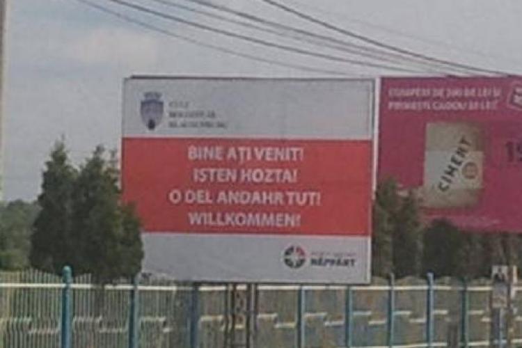 "Panoul cu mesajul in limba maghiara ""Bine ati venit!"", reamplasat la intrare in Cluj! Nepotul lui Tokes a invins sistemul"