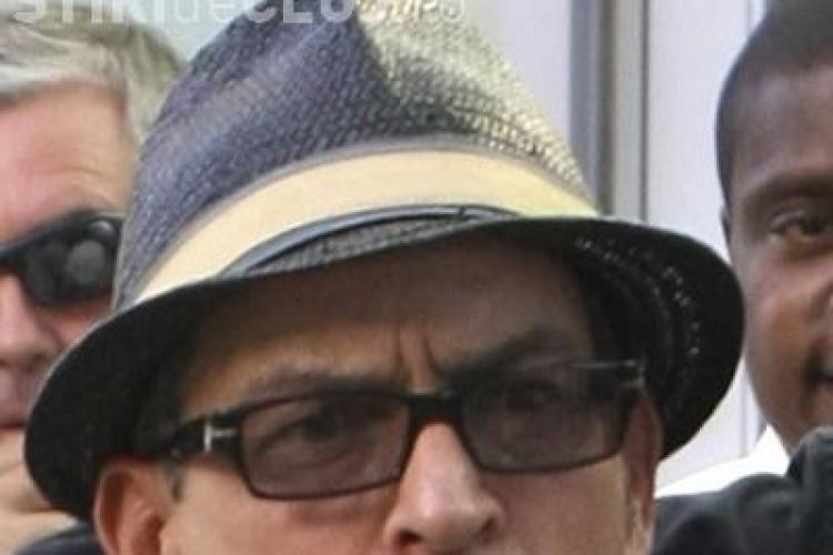 Charlie Sheen, afectat de consumul de alcool si droguri! VEZI cum arata actorul, la 46 de ani