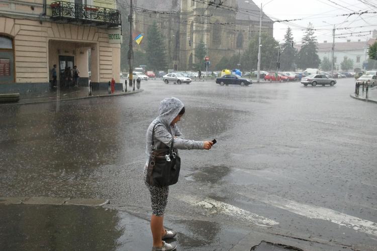 COD GALBEN de ploi la Cluj! VEZI care este intervalul vizat