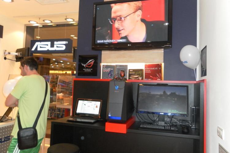 Calculatoare ASUS de astazi in Iulius Mall, la Intend Computer FOTO (P)