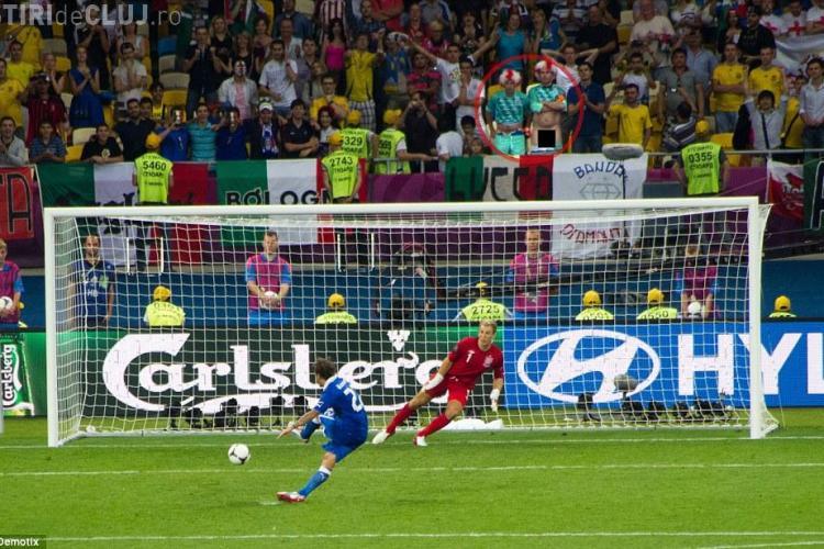 INCREDIBIL! Fanii englezi s-au dezbracat în spatele porții pentru a-i SOCA pe italieni FOTO