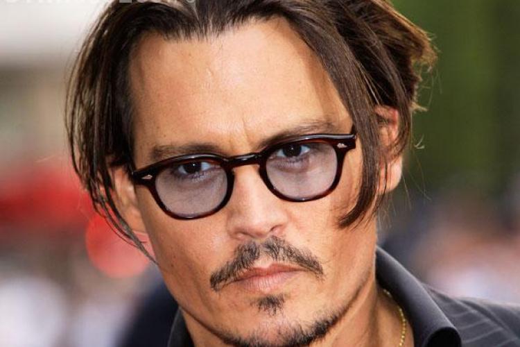 Johnny Depp are o nouă iubită. Vanessa Paradis e de domeniul trecutului FOTO