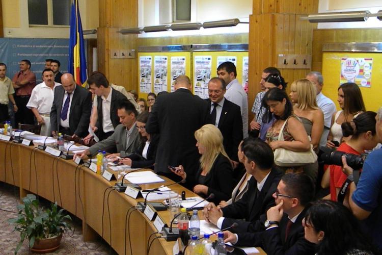 Emil Boc este instalat primar al Clujului! VEZI primele fotografii de la sedința Consiliului Local