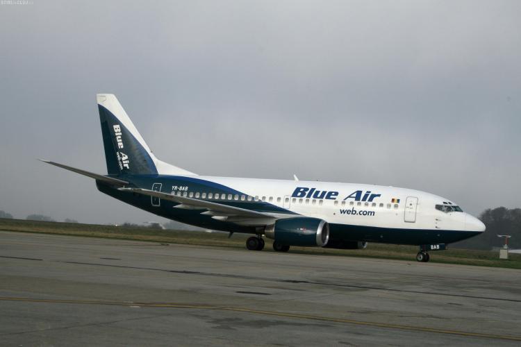 Mai multe firme au cerut insolventa companiei aeriene Blue Air