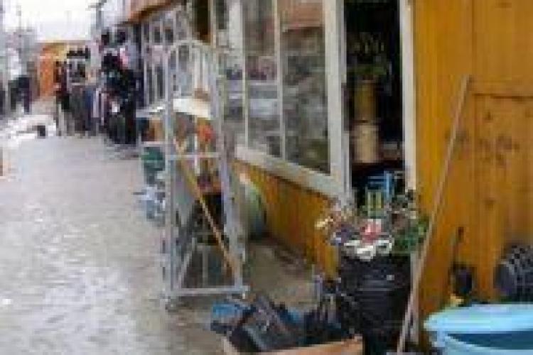 Proprietarii de tarabe de pe Canalul Morii, din zona strazii Arges, au dat in judecata Primaria Cluj-Napoca