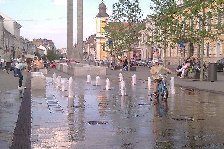 Ziua Internationala a Copilului, sarbatorita la Cluj-Napoca cu trei zile intarziere. La ora 12.00 va fi inaugurat Parcul Rozelor