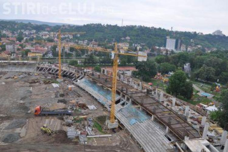 "Lucrarile la Stadionul Municipal ""Ion Moina"" au continuat in ciuda ploilor - Galerie FOTO"