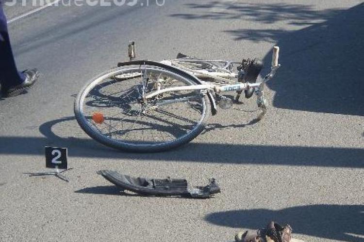 Biciclist ranit grav la intersectia strazilor Alexandru Sahia si Nadasel