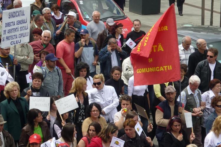 500 de sindicalisti picheteaza Prefectura Cluj de la ora 13.00. Vineri se vor opri la sediile PDL si UDMR din Cluj-Napoca