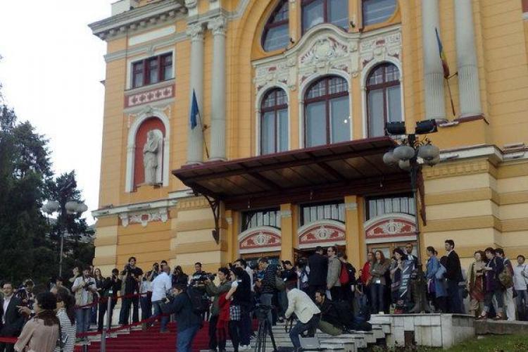 "TIFF Cluj -  Filmul ""Jao Nok Krajok / Poveste anodina"" a castigat Trofeul Transilvania al TIFF 2010. Vedeti si ceilalti castigatori"