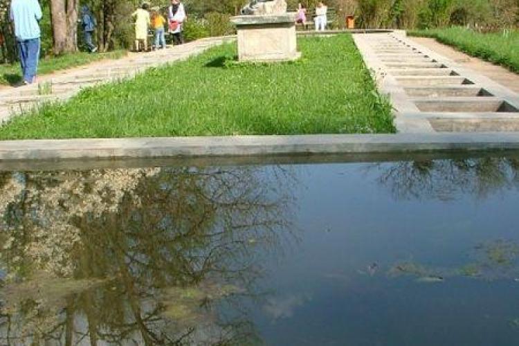 Parintii si copiii sunt asteptati sa caute comori la Gradina Botanica din Cluj