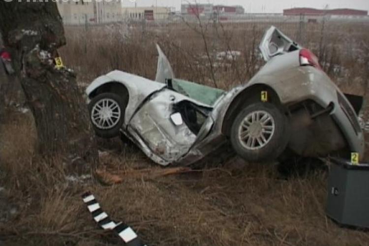 Accident grav la Luna, Campia Turzii. Doi tineri au murit, unul era angajat la Baza 71 Aeriana